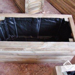 Donice z kantówki 4,5x,4,5cm skręcane z jednej strony
