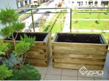 Donice drewniane z kantówki 4,5x7cm na tarasie