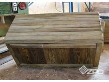 Donice z kantówki 4,5x,4,5cm skręcane z jednej strony, dno od strony wewnętrznej
